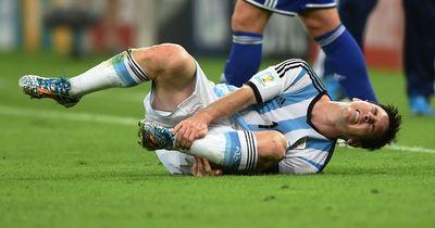 10.000 Euro für jeden Spieler, wenn er Messi NICHT foult!
